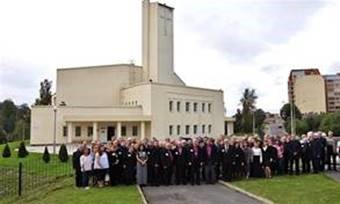 Kuva edellisestä, Petroskoissa v. 2016 järjestetystä pappeinkokouksesta. Ryhmäkuva.